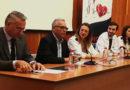 La Asociación Cardíaca ANCCO entrega pulseras QR Vida a sus asociados gracias al acuerdo con la Obra Social La Caixa