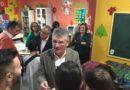 La Junta entrega ejemplares del cuento 'Aurora, una pequeña lince en Doñana' a niños hospitalizados