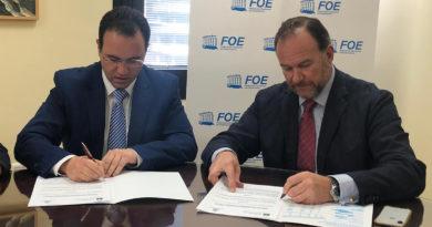 La FOE y el Hospital Universitario Juan Ramón Jiménez intensifican relaciones