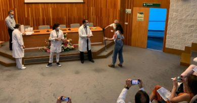 Un total de 35 Especialistas Internos Residentes finalizan en el Hospital Juan Ramón Jiménez su formación