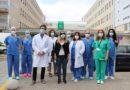 El Hospital Juan Ramón Jiménez posibilita la primera donación en vivo de una córnea en el país tras una extirpación de tejido ocular